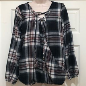Like New Knox Rose Plaided Blouse Size M